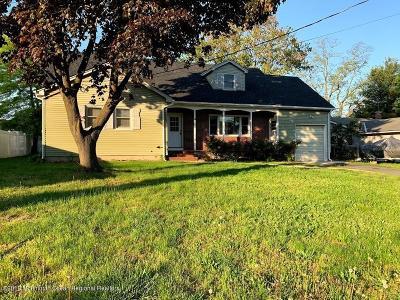 Matawan Single Family Home For Sale: 8 Oak Lane