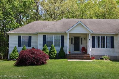 Lakewood Single Family Home For Sale: 6 Isabella Drive
