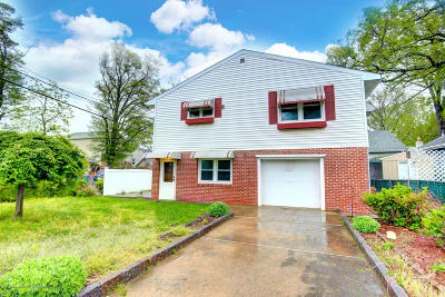 Keansburg Single Family Home Under Contract: 88 Lawrence Avenue