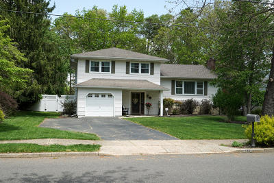 Toms River Single Family Home For Sale: 130 Sun Valley Road