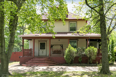 Middletown Single Family Home For Sale: 375 Thompson Avenue