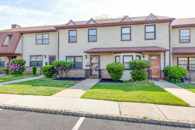 Hazlet Condo/Townhouse For Sale: 70 Village Green Way