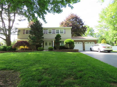 Freehold Single Family Home For Sale: 176 Sherwood Drive