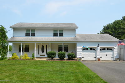 Millstone Single Family Home For Sale: 75 N Rochdale Avenue
