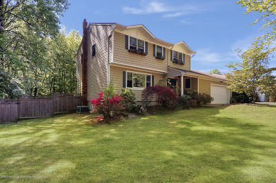 Monmouth County Single Family Home For Sale: 12 Oakmont Court
