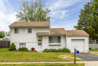 Toms River Single Family Home For Sale: 972 Hazelwood Road