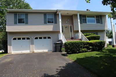 Toms River Single Family Home For Sale: 48 Cypress Road