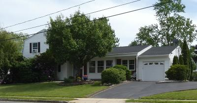 Howell Single Family Home For Sale: 27 Taunton Drive