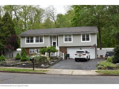 Matawan Single Family Home For Sale: 17 Somerset Place