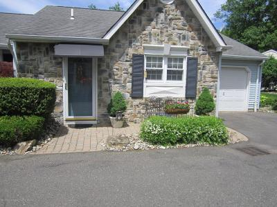 Monmouth County Adult Community For Sale: 25 Ivy Ridge Close #1000