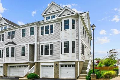 Middletown Condo/Townhouse For Sale: 793 Port Monmouth Road