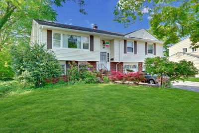 Monmouth County Single Family Home For Sale: 26 Walnut Place