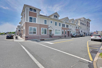 Monmouth County Condo/Townhouse For Sale: 9 St James Place #5