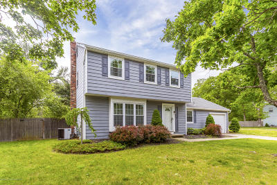 Toms River Single Family Home For Sale: 300 Ashford Road