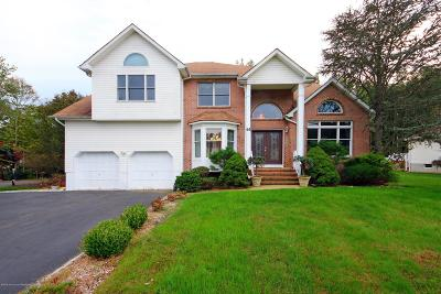 Manalapan Single Family Home For Sale: 61 Pine Brook Road