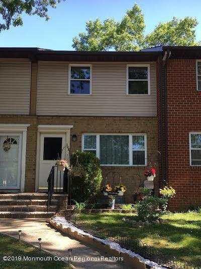 Brick Condo/Townhouse Under Contract
