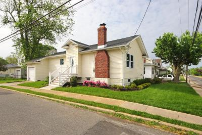 Middletown Single Family Home For Sale: 173 Church Street