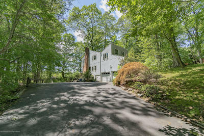 Middletown Single Family Home For Sale: 10 Lefferts Court