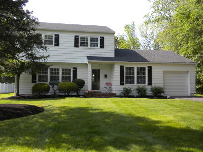 Manalapan Single Family Home Under Contract: 13 Sugar Maple Avenue