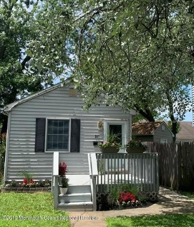 Middletown Single Family Home For Sale: 247 Forest Avenue