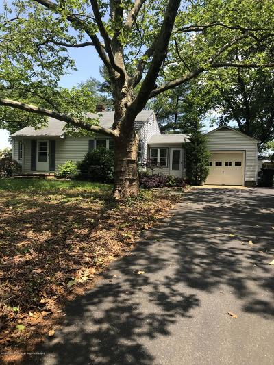 Holmdel NJ Single Family Home For Sale: $344,900