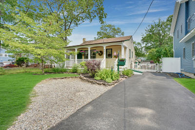 Point Pleasant Single Family Home For Sale: 902 Barton Avenue