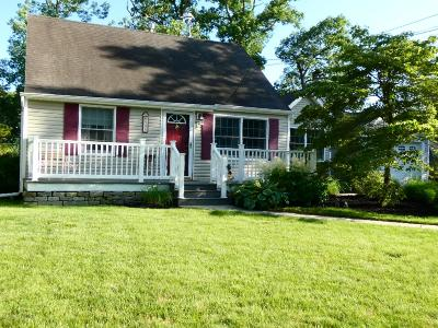 Howell Single Family Home For Sale: 508 Middle Lane