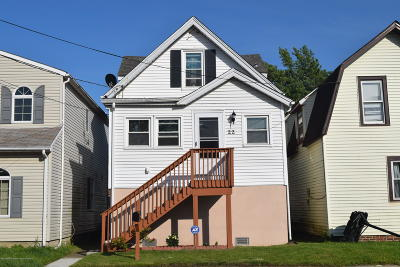 Keansburg Single Family Home For Sale: 22 Seaview Avenue