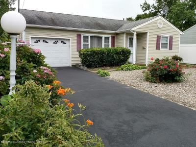 Point Pleasant Single Family Home For Sale: 2120 Foster Road