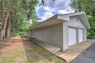 Howell Single Family Home For Sale: 699 Aldrich Road