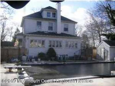 Keansburg Single Family Home For Sale: 1 Broander Place