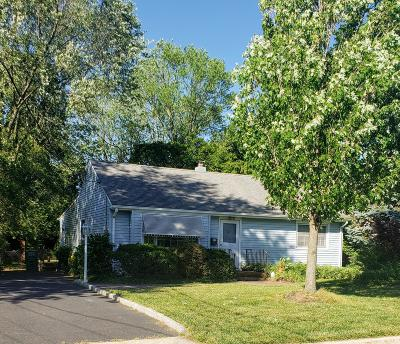 Eatontown NJ Single Family Home Under Contract: $269,000