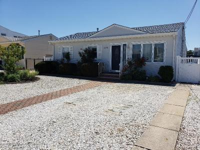 Toms River Single Family Home For Sale: 2572 Balfrey Drive