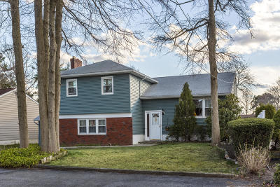 Point Pleasant Single Family Home For Sale: 324 Eastham Road