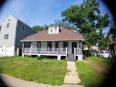 Keansburg Single Family Home For Sale: 131 Forest Avenue