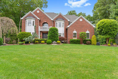 Freehold Single Family Home For Sale: 71 Lions Court