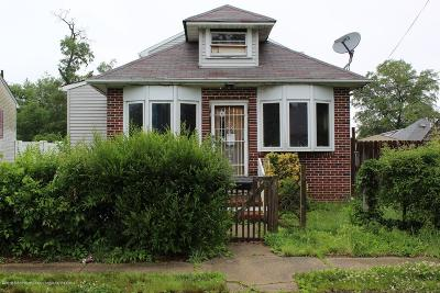 Keansburg Single Family Home Under Contract: 57 Park Avenue