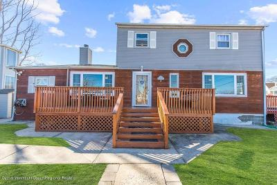 Keansburg Single Family Home For Sale: 3 Circuit Street