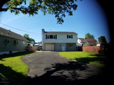Keansburg Single Family Home For Sale: 146 Maple Avenue
