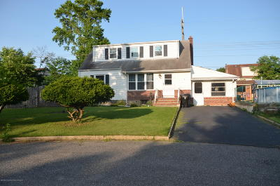 Middletown Single Family Home Under Contract: 333 Hollie Drive