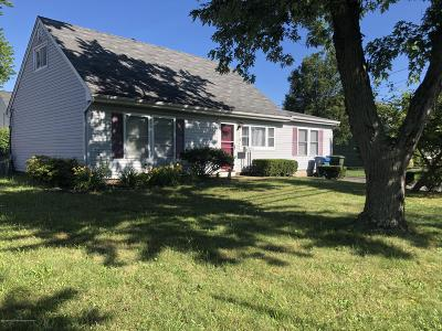 Hazlet Single Family Home For Sale: 34 Lynn Boulevard