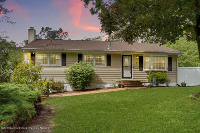 Howell Single Family Home Under Contract: 3 Hemlock Road