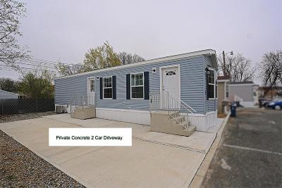Hazlet Single Family Home For Sale: 27 Monique Circle