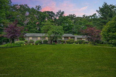 Colts Neck Single Family Home For Sale: 20 Holling Road