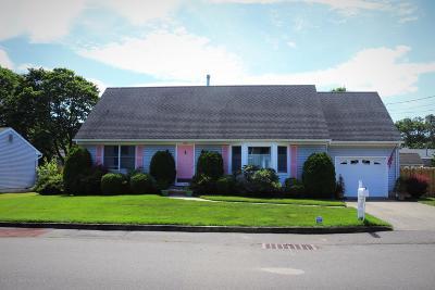 Beachwood Single Family Home For Sale: 525 Anchor Avenue