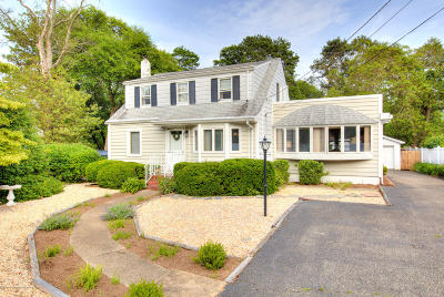 Point Pleasant Single Family Home For Sale: 23 Eastham Lane