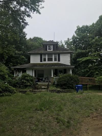 Middletown Single Family Home For Sale: 22 Gillville Lane
