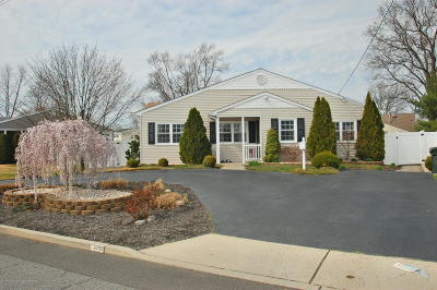 Hazlet Single Family Home Under Contract: 14 W Jack Street