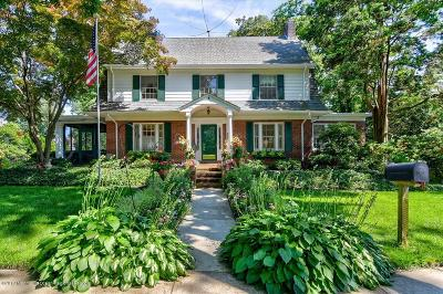 Freehold Single Family Home For Sale: 112 Broad Street