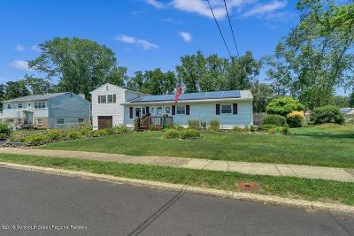 Manchester Single Family Home For Sale: 32 Charles Avenue